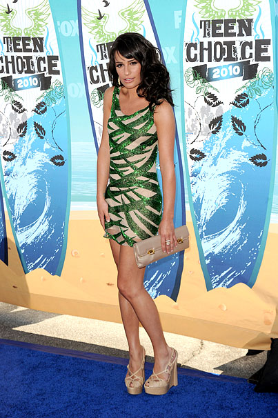 Lea Michele Sizzles at Teen Choice Awards 2010 (PHOTOS)