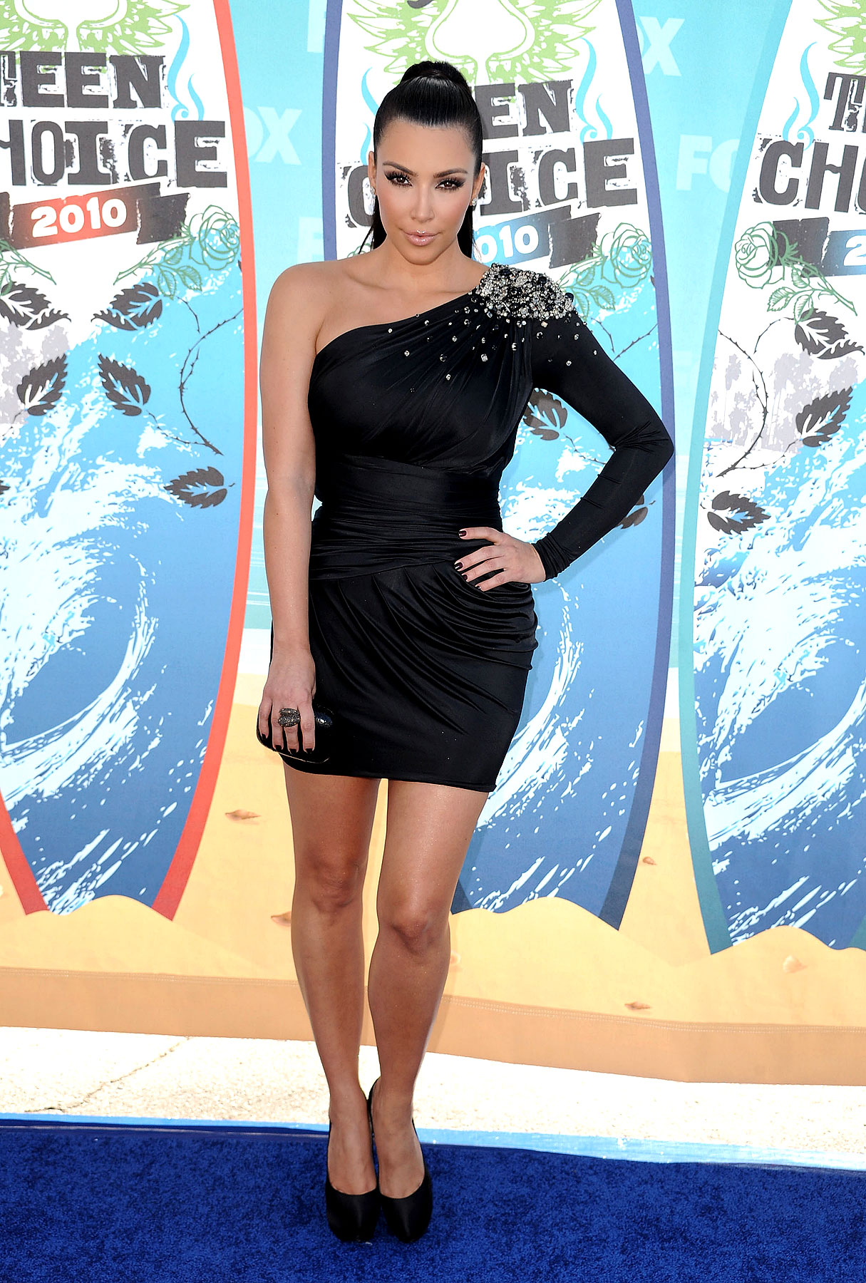 Remembering Kim Kardashian's One-Shoulder Dresses (PHOTOS)