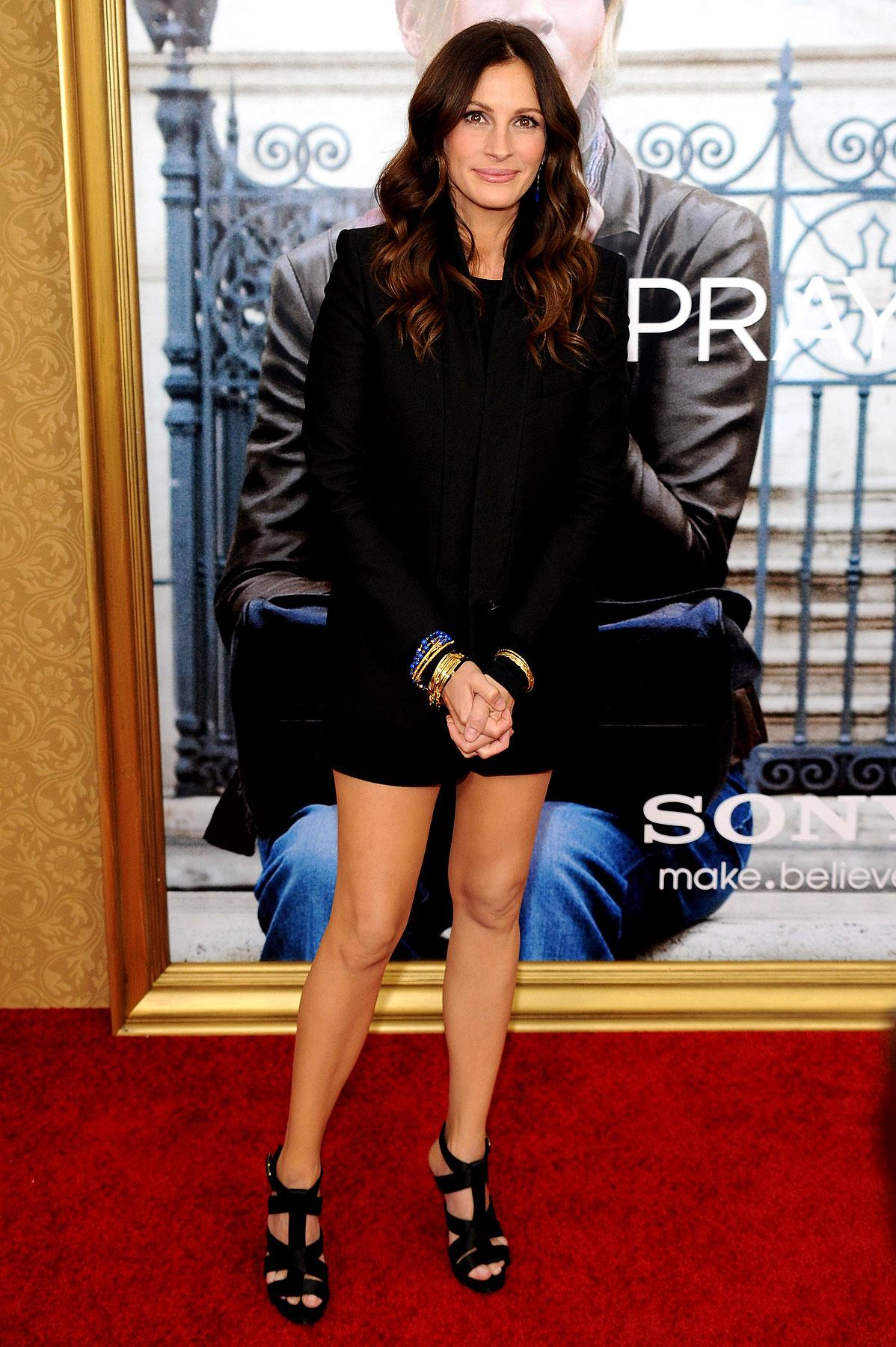 Julia Roberts Premieres 'Eat Pray Love' (PHOTOS)