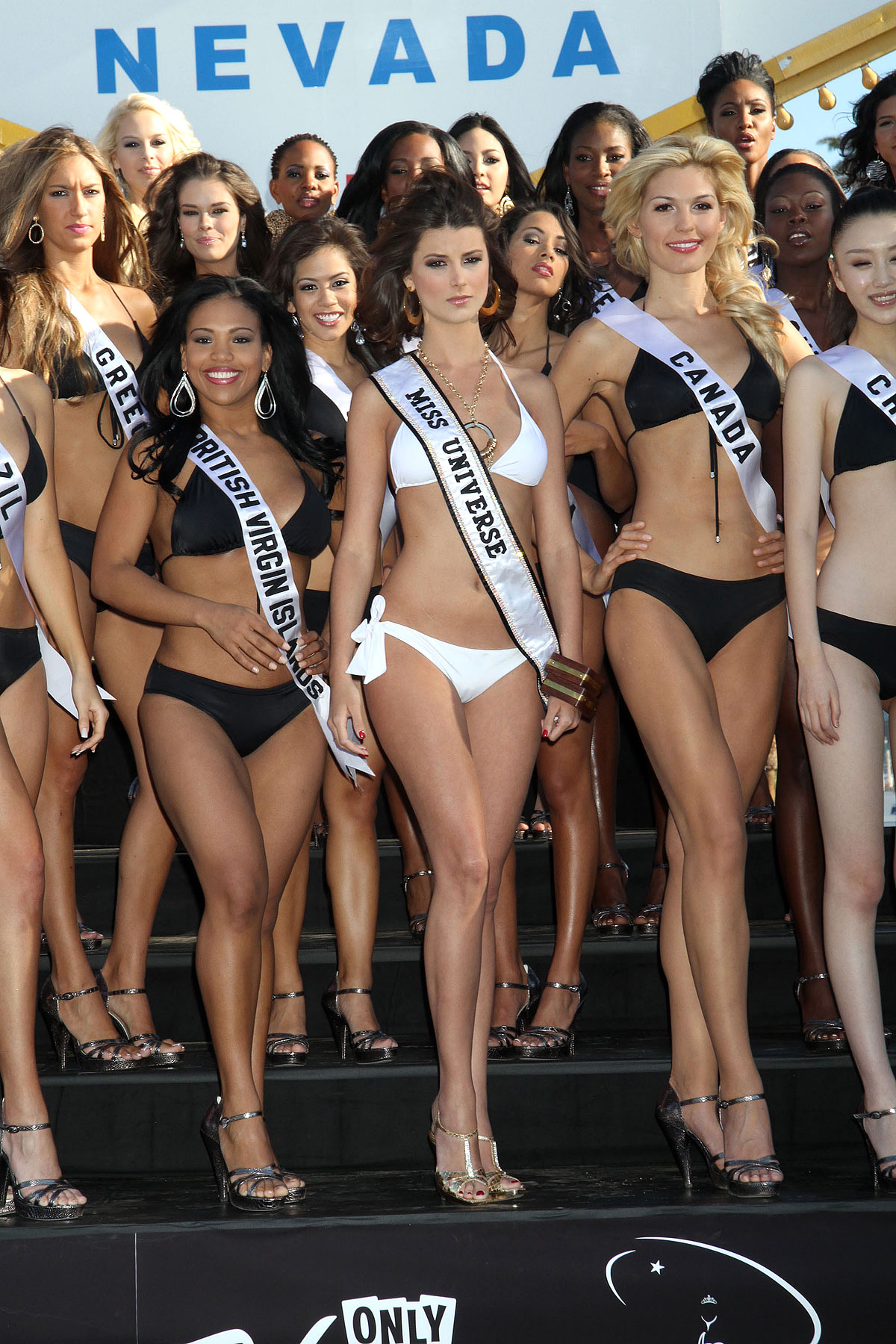 Behold, the 2010 Miss Universe Contestants (PHOTOS)