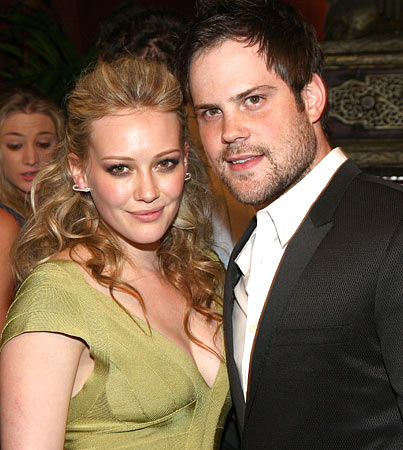 Hilary Duff and Mike Comrie Get Married