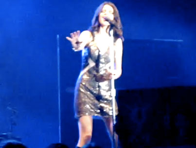 "Selena Gomez Debuts ""A Year Without Rain"" Live! (VIDEO)"