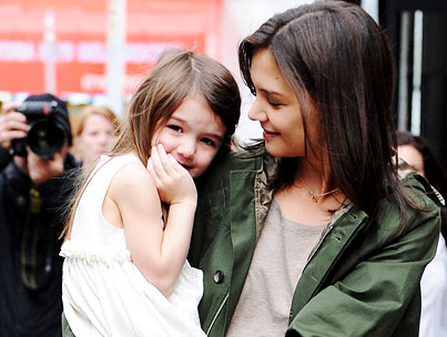 BUZZINGS: Suri Cruise Is Totally Styling With Her Mom-photo