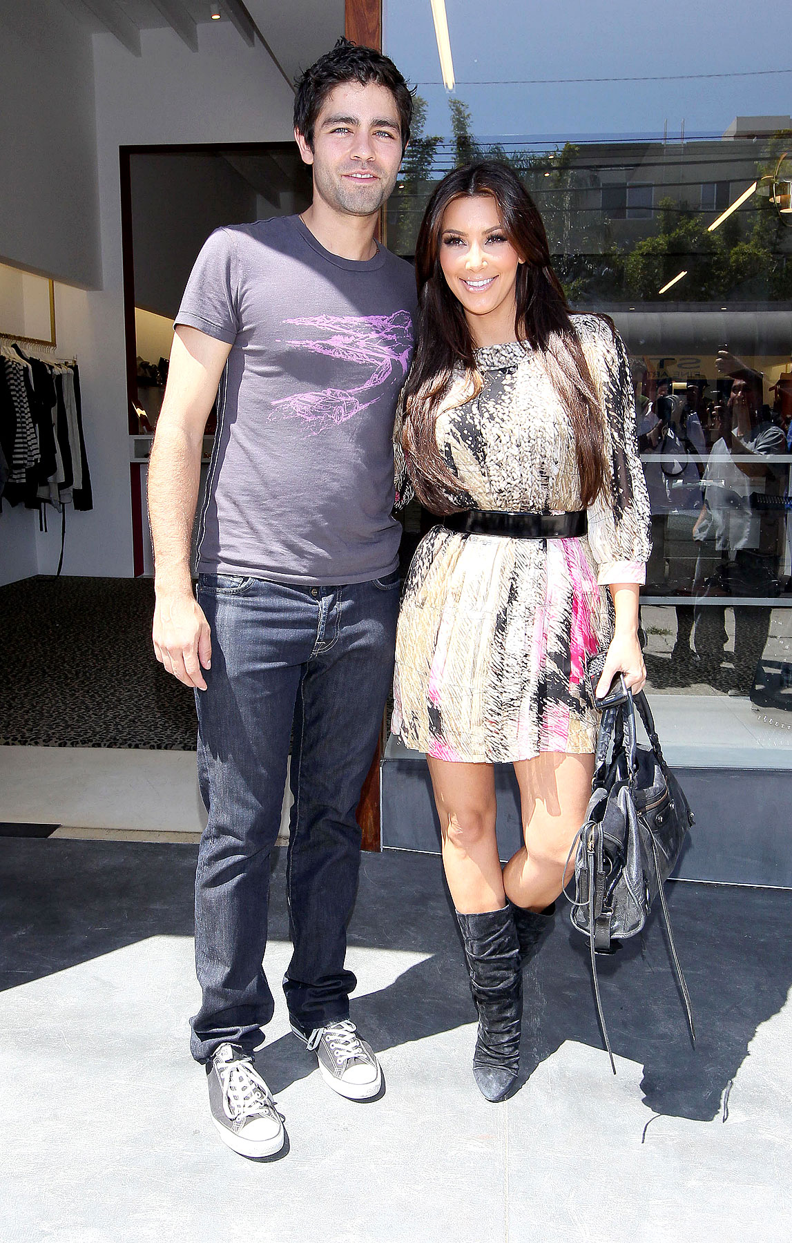 Kim Kardashian & Adrian Grenier Are Shopping Pals (PHOTOS)