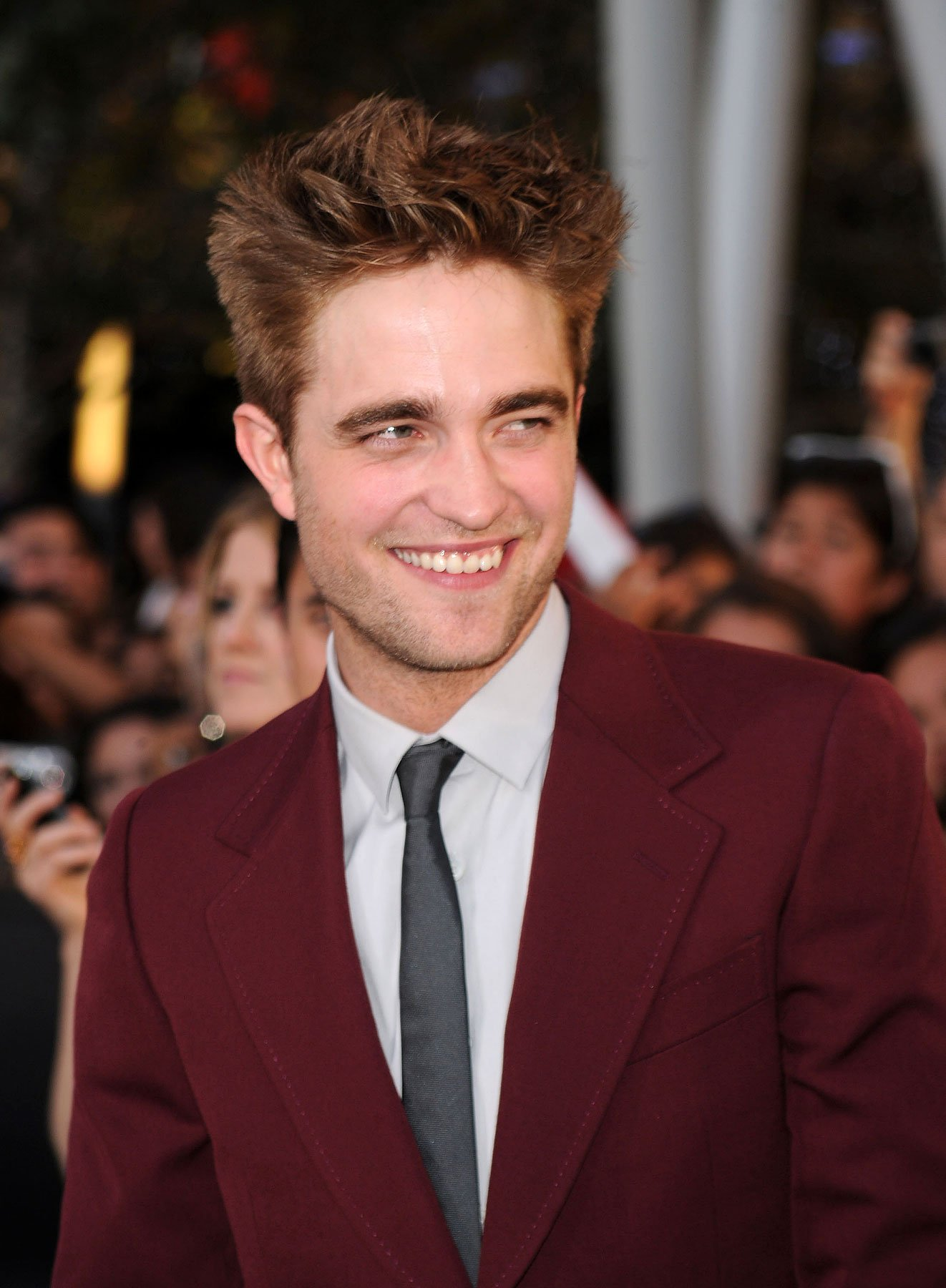 Robert Pattinson Tops Glamour 50 Sexiest Men Poll (PHOTOS)