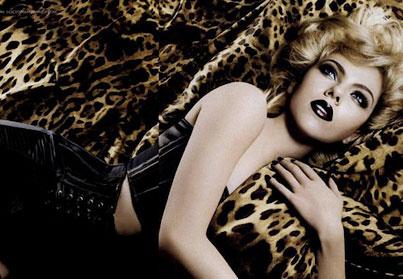 Wild Scarlett Johansson Puckers Up