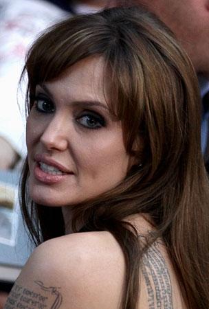 Angelina Jolie to Write and Direct War Romance
