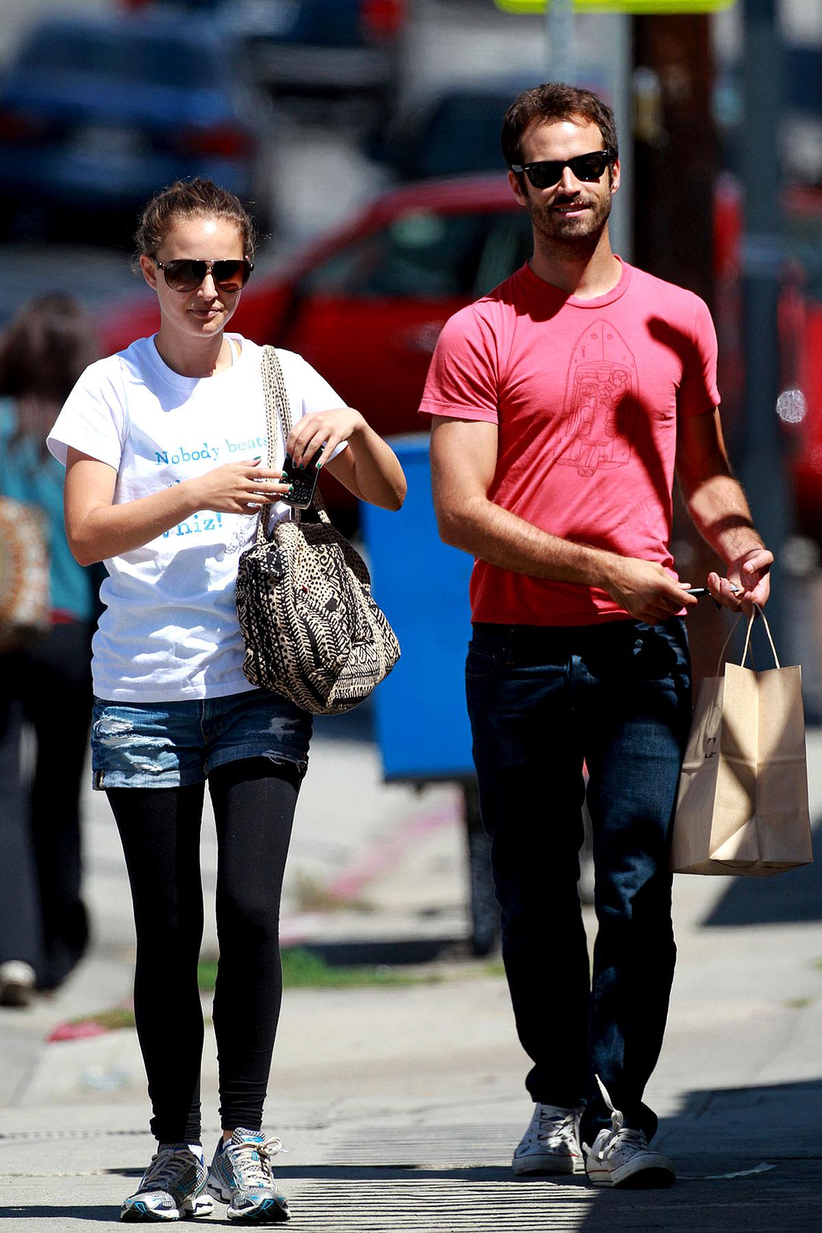 Natalie Portman Shops with Dancer BF (PHOTOS)