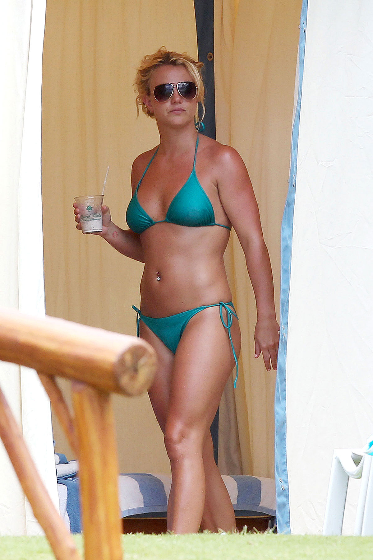 Britney Spears' Bikinis in Turquoise (PHOTOS)