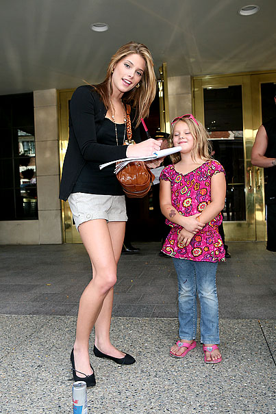 Ashley Greene Heads to Jonas Brothers Concert (PHOTOS)