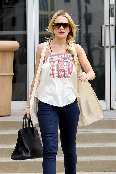 Lindsay Lohan's Courthouse Run (PHOTOS)