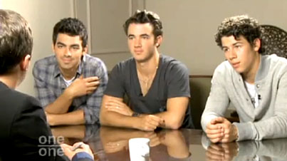 Jonas Brothers on Mel Gibson: 'He's Awesome!' (VIDEO)