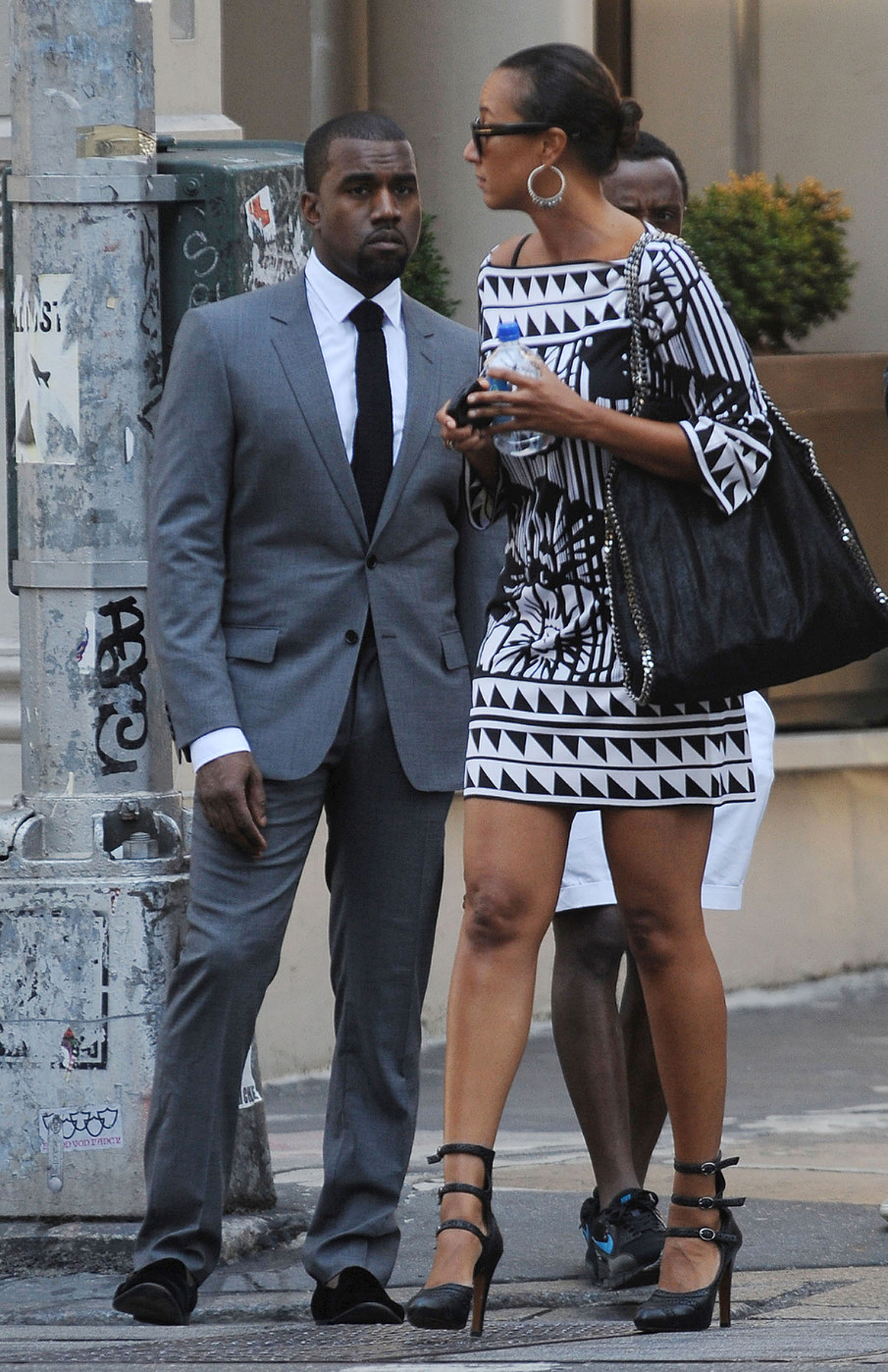 Kanye West's Sockless Look: Yay or Nay? (PHOTOS)