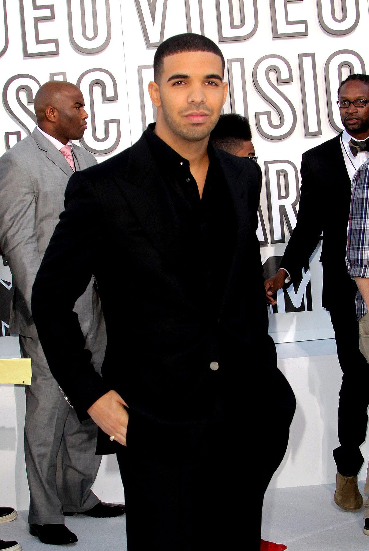 Drake at the 2010 MTV Video Music Awards (PHOTOS)