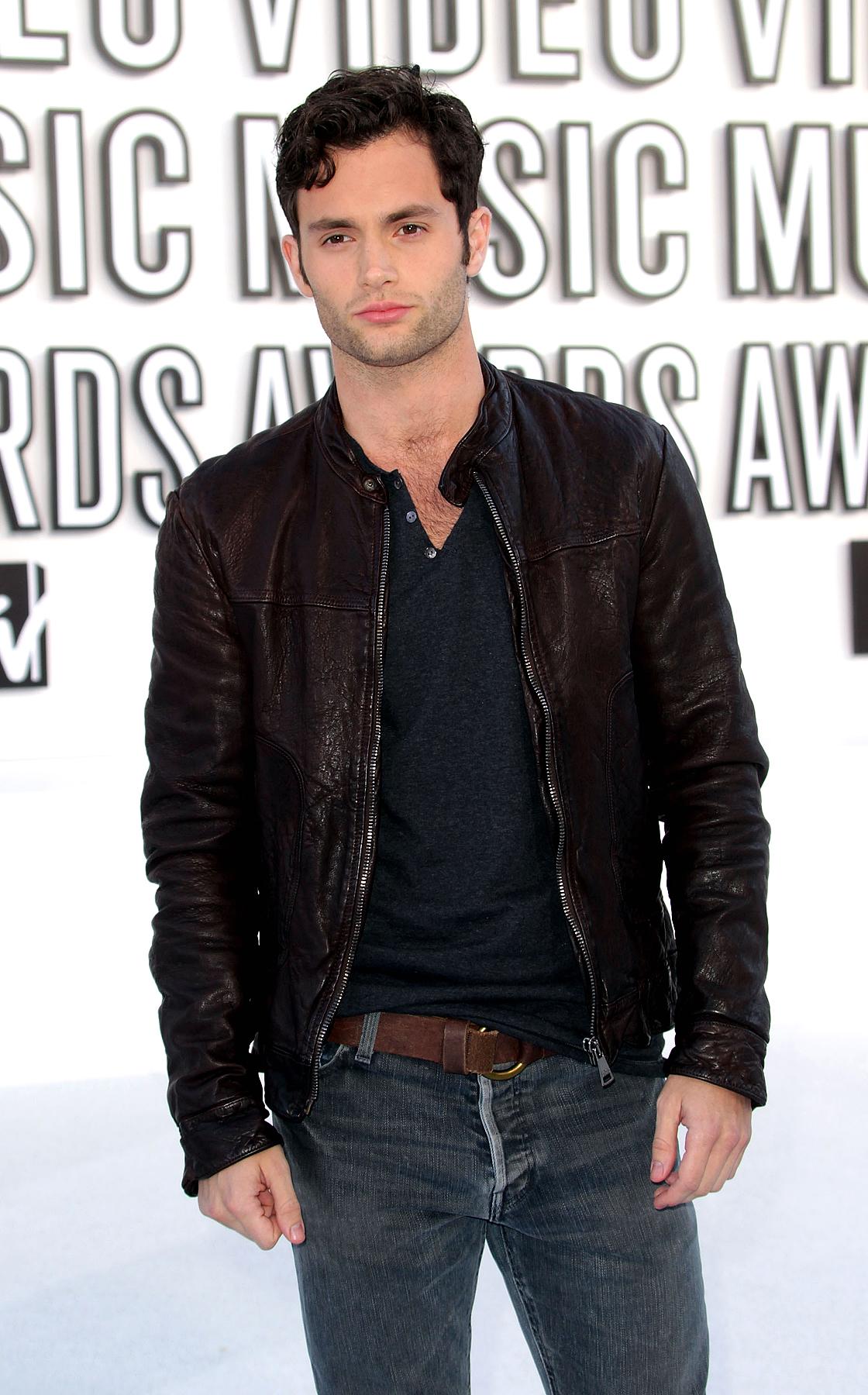 Penn Badgley at the 2010 MTV Video Music Awards (PHOTOS)