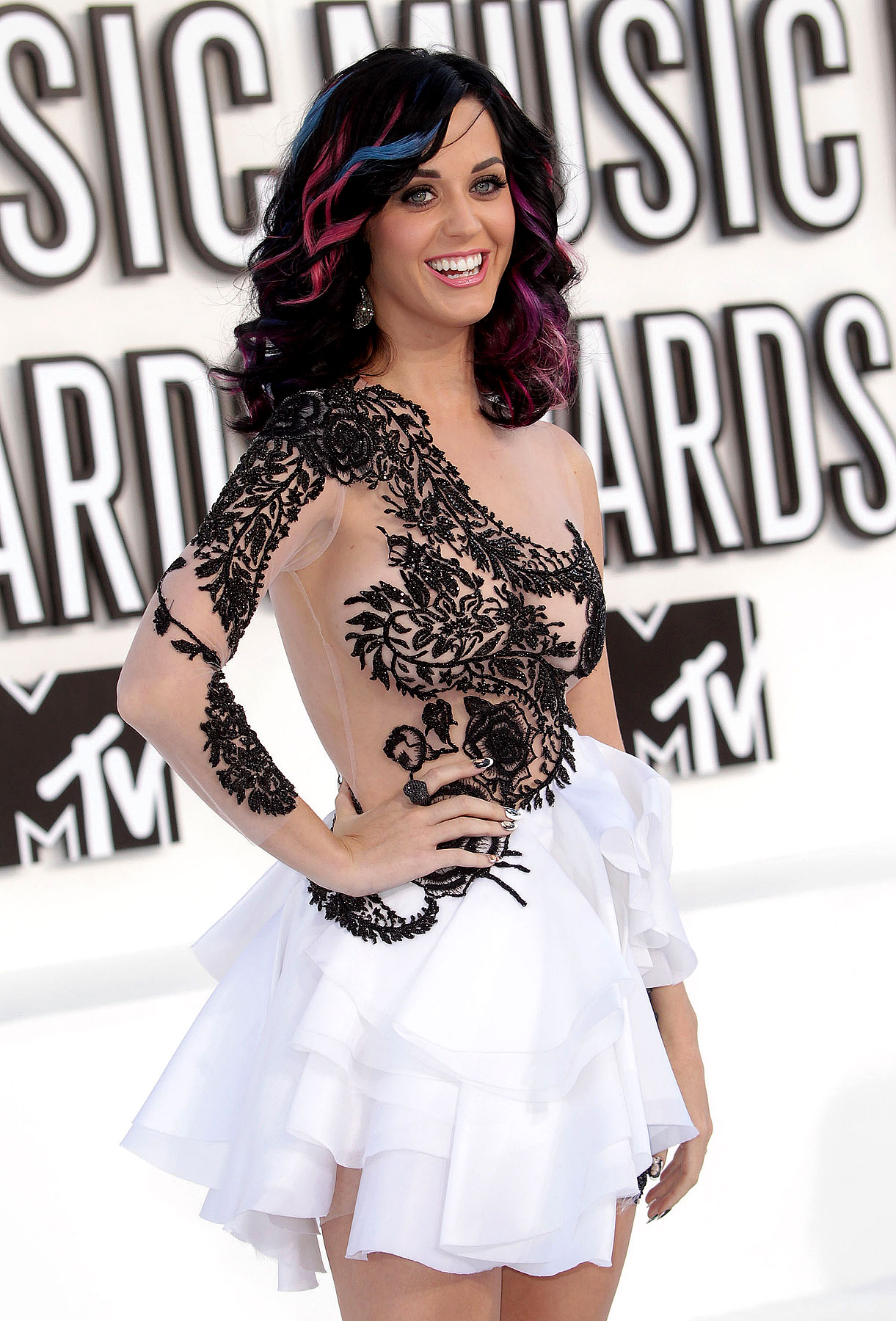 Katy Perry at the 2010 MTV Video Music Awards (PHOTOS)