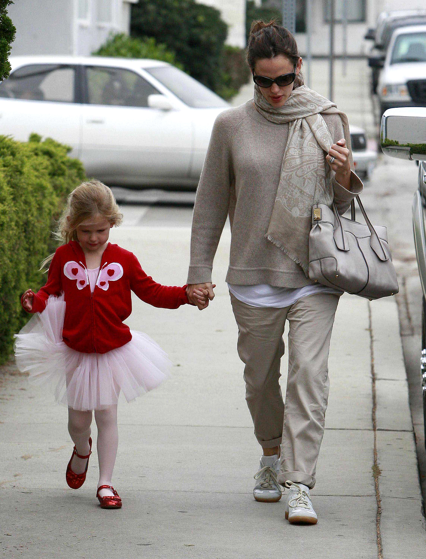 Jennifer Garner and the Tutu Cute Violet (PHOTOS)