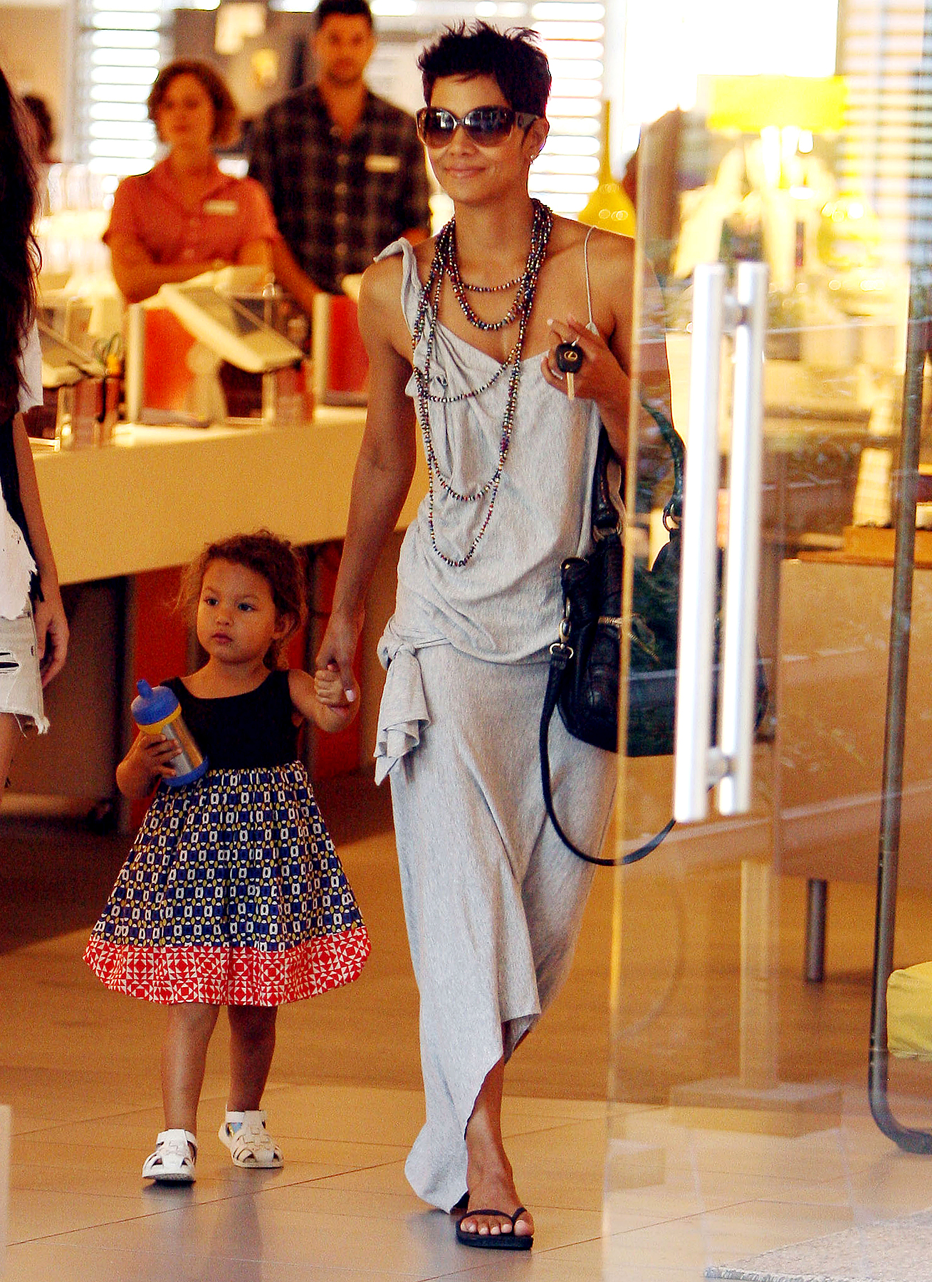 Halle Berry and Daughter Nahla Get Their Shop On (PHOTOS)