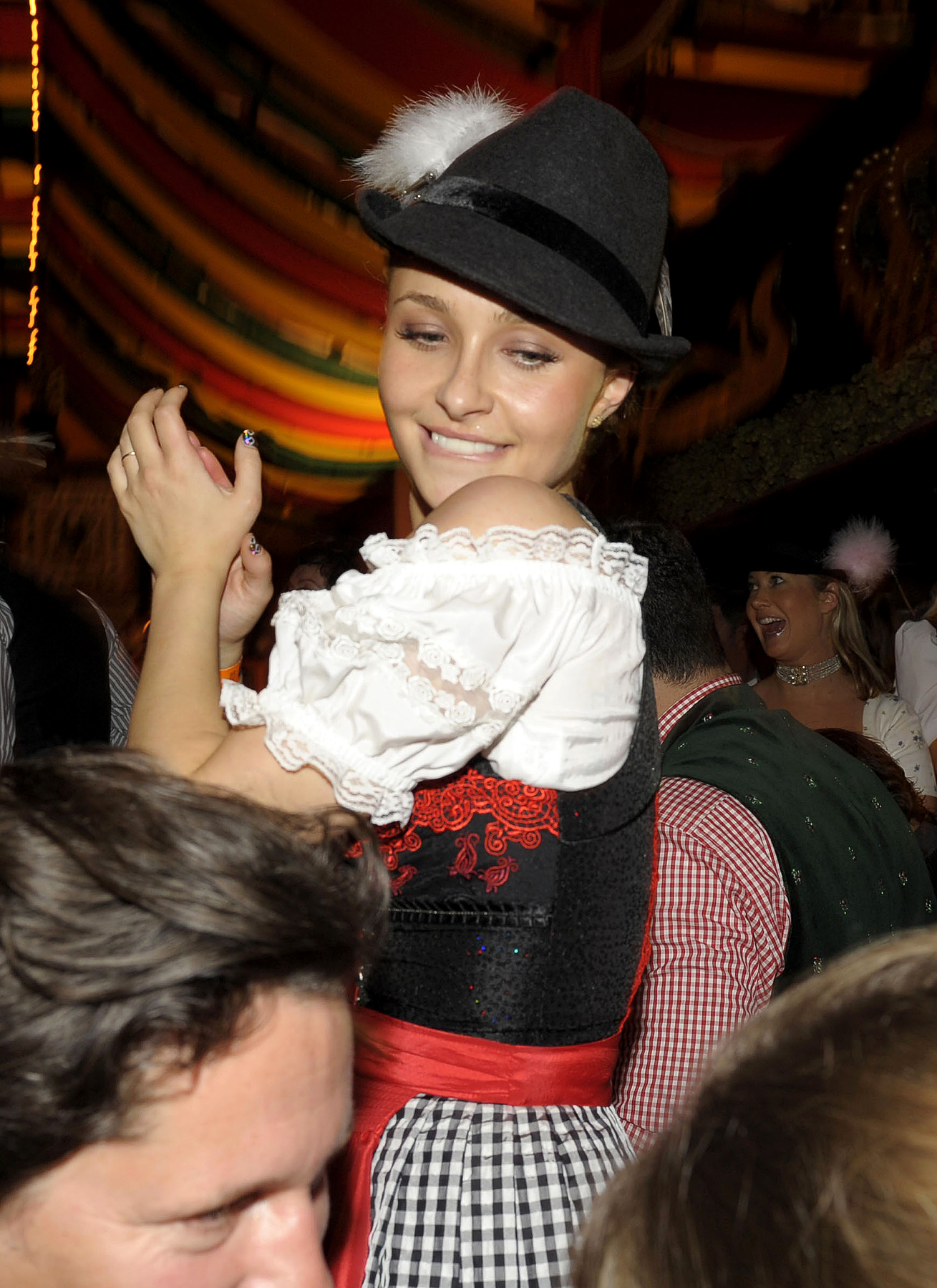Hayden Panettiere Dons Dirndl at Oktoberfest (PHOTOS)