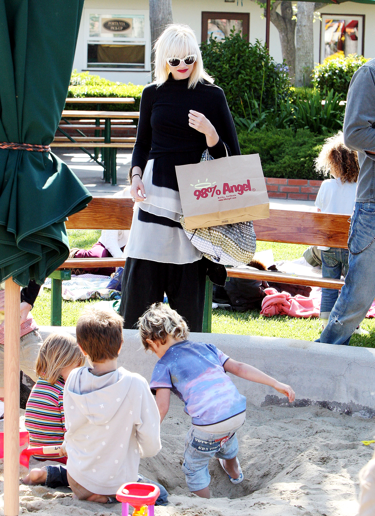 Celebrity Moms and Their Playground Style (PHOTOS)