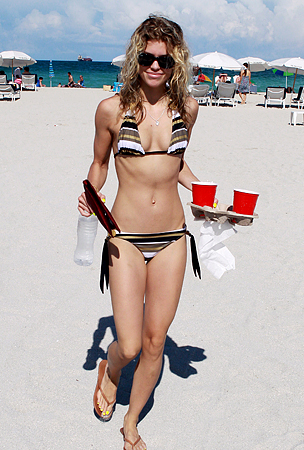 Best Celebrity Bikini Bods of 2010 (PHOTOS)