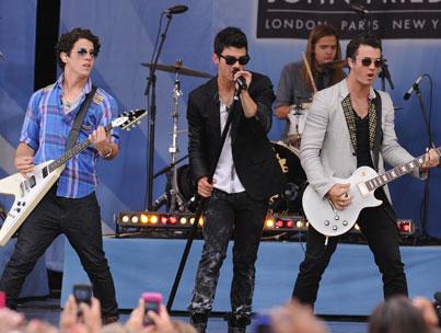 'Jonas LA' Facing Cancellation? (UPDATE)