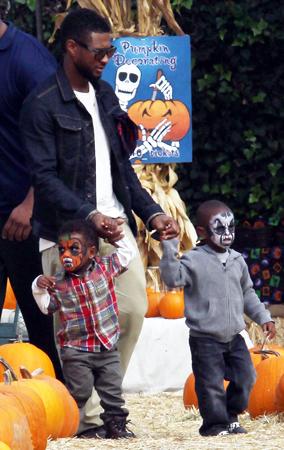 Usher & His Boys Visit the Pumpkin Patch (PHOTOS)