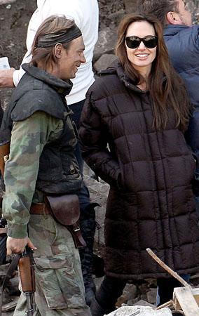 Angelina Jolie: All Smiles On Set (PHOTOS)