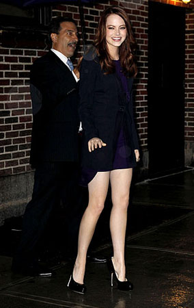 Emma Stone Charms David Letterman (PHOTOS)