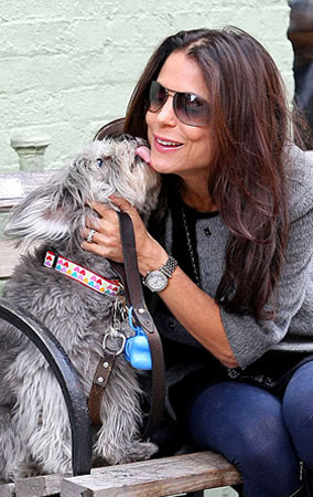 Bethenny Frankel & Her Dog in New York (PHOTOS)