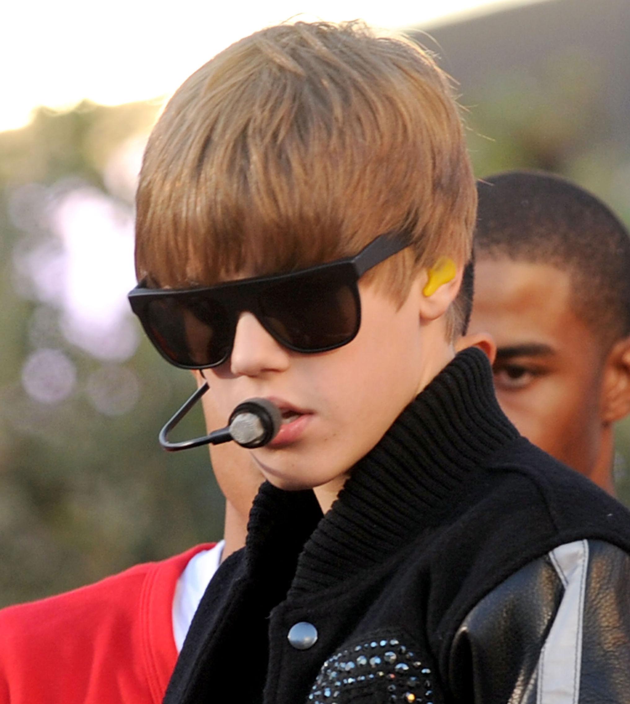 Justin Bieber Bullied in Canada?