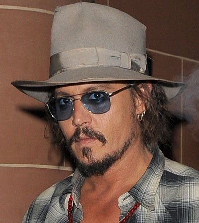 Johnny Depp Spends $62,000 to Clothe 'Pirates' Crew