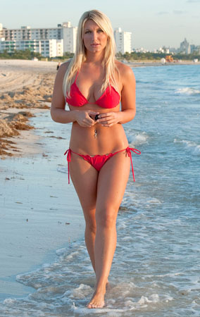 Brooke Hogan Shows Off Her Bikini Body (PHOTOS)