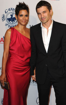 Halle Berry and Olivier Martinez's Red Carpet Debut (PHOTOS)