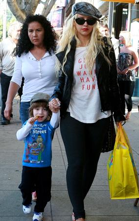 Christina Aguilera Just Wants to Have Fun (PHOTOS)
