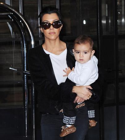 Kourtney Kardashian: Mason is Walking!