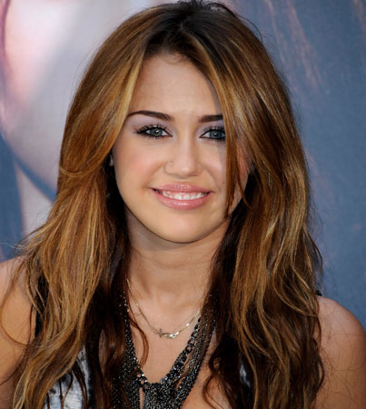 New Details on Miley Cyrus' 'LOL' Movie