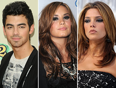 Demi Lovato Fans Rage Against Joe Jonas, Ashley Greene