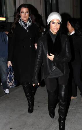 Kourtney and Khloe Kardashian Brave the Cold (PHOTOS)