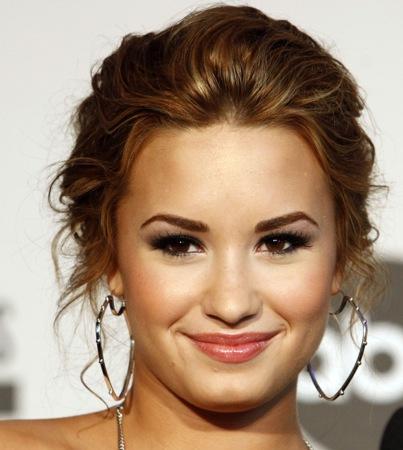 Demi Lovato's Dad Blames Show-Biz 'Pressures' for Her Breakdown