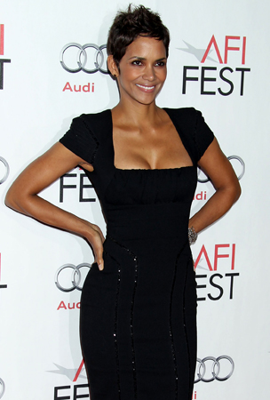 Halle Berry: Beautiful in Black at the AFI Fest 2010 (PHOTOS)