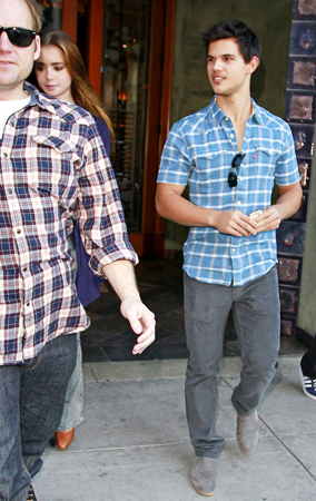 Taylor Lautner and Lily Collins Do Lunch (PHOTOS)