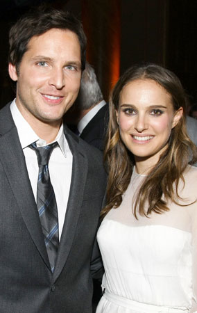 Natalie Portman and Peter Facinelli Do Good (PHOTOS)