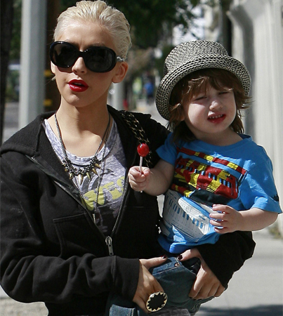 Christina Aguilera Says Son Keeps Her Focused
