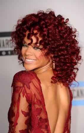 Rihanna at American Music Awards 2010 (PHOTOS)