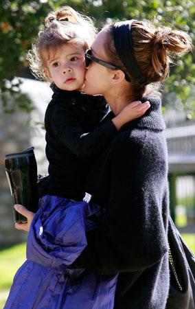 Jessica Alba & Honor's Pre-AMAs Play Date (PHOTOS)