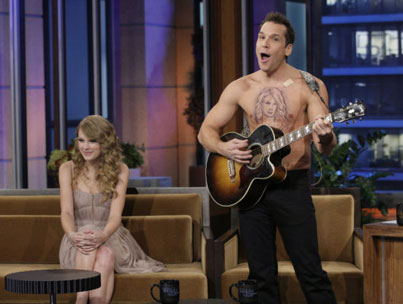 Dane Cook's Shirtless Serenade for Taylor Swift (VIDEO)