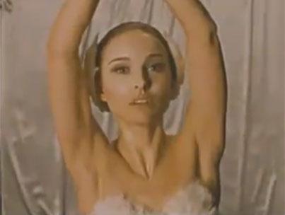 Watch Scared Natalie Portman in 'Black Swan' (VIDEO)