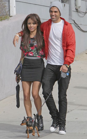 Katerina Graham and Boyfriend Snuggle (PHOTOS)