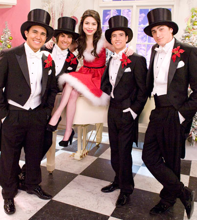 Miranda Cosgrove & Big Time Rush Holiday Preview! (VIDEO)